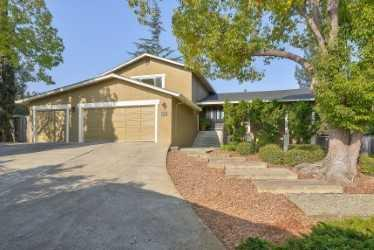2394 Deodara Dr, Los Altos, CA 94024 (#ML81731248) :: The Kulda Real Estate Group