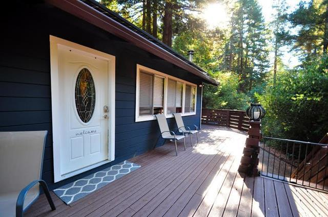 305 Huckleberry Ln, Boulder Creek, CA 95006 (#ML81731751) :: The Gilmartin Group