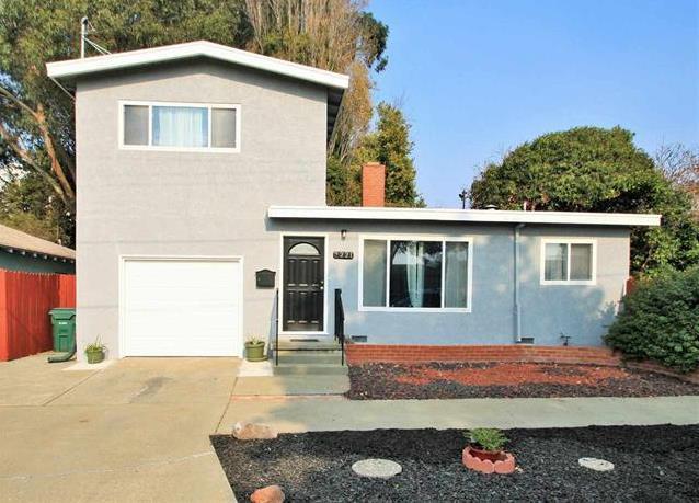 3221 Moran Ave, Richmond, CA 94804 (#ML81733238) :: Julie Davis Sells Homes