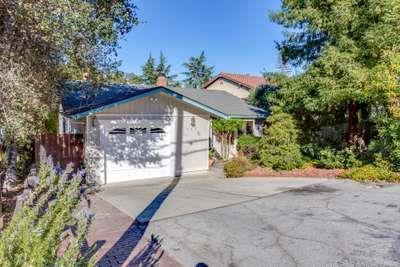 757 Lakeview Way, Redwood City, CA 94062 (#ML81735048) :: The Kulda Real Estate Group
