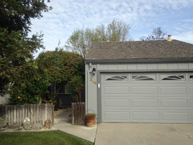 294 Ridgemark Dr, Hollister, CA 95023 (#ML81735771) :: The Kulda Real Estate Group