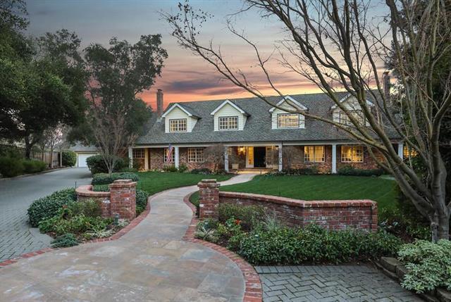 14008 Camino Barco, Saratoga, CA 95070 (#ML81739310) :: Julie Davis Sells Homes