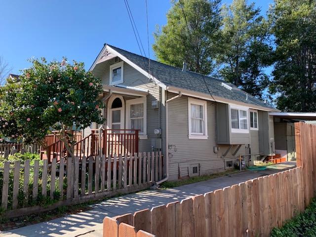 215 Pearl St, Santa Cruz, CA 95060 (#ML81739454) :: Julie Davis Sells Homes