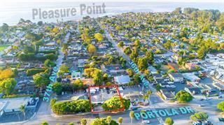 3650 Portola Dr, Santa Cruz, CA 95062 (#ML81739455) :: Strock Real Estate