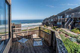 1 Surf Way 225, Monterey, CA 93940 (#ML81740088) :: Brett Jennings Real Estate Experts