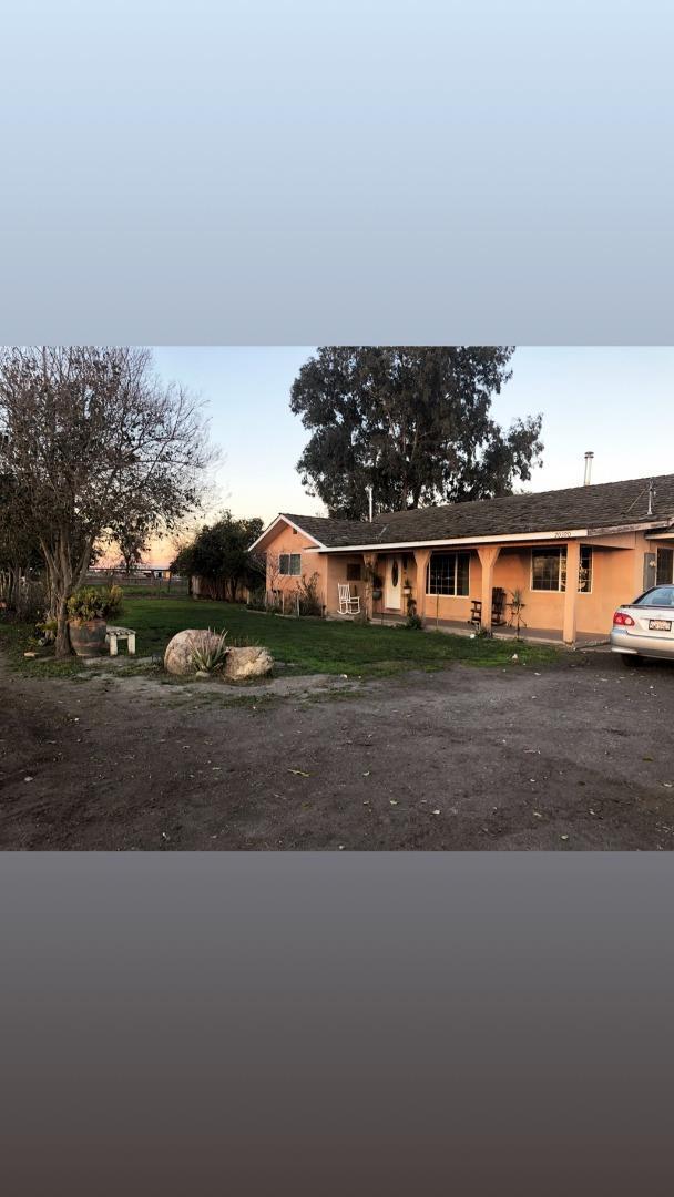 20390 Reynolds Ave, Dos Palos, CA 93620 (#ML81740603) :: The Warfel Gardin Group