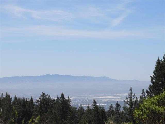 250 Loma Escondida, Watsonville, CA 95076 (#ML81741257) :: The Warfel Gardin Group
