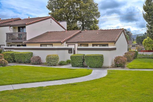 9 Via Padre, San Juan Bautista, CA 95045 (#ML81746763) :: The Kulda Real Estate Group