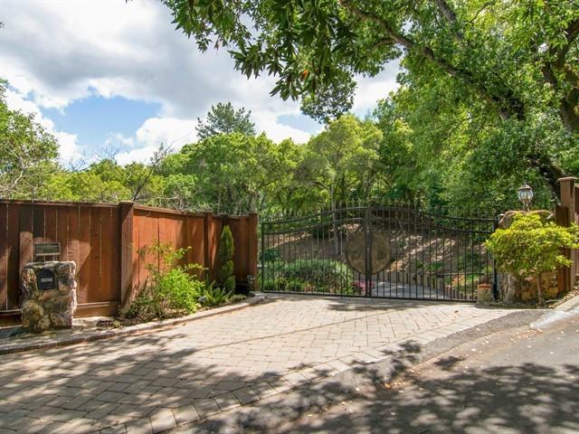 17627 Foster Rd, Los Gatos, CA 95030 (#ML81748296) :: Julie Davis Sells Homes