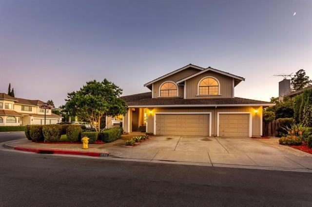 17395 Ringel Drive 17395, Morgan Hill, CA 95037 (#ML81750565) :: The Realty Society