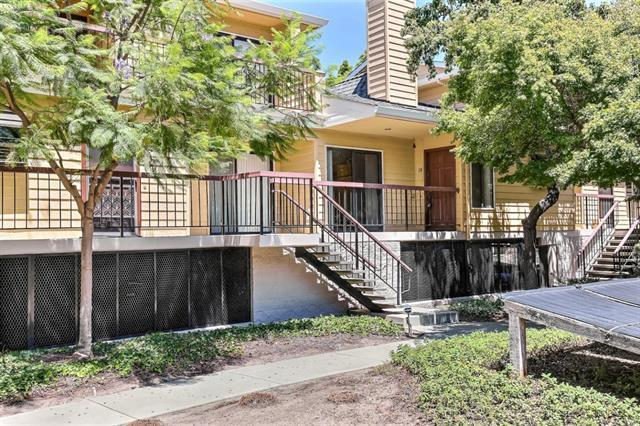 431 Northlake Dr 28, San Jose, CA 95117 (#ML81750816) :: Maxreal Cupertino