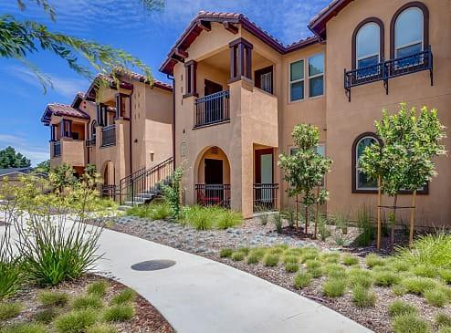 140 Ivy Ave D-28, Patterson, CA 95363 (#ML81752498) :: Strock Real Estate