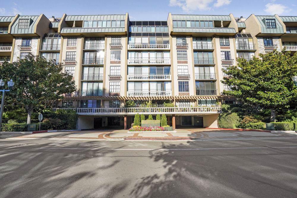 555 Laurel Ave 522 - Photo 1