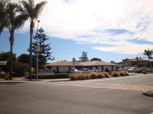 4100 Portola Dr 3, Santa Cruz, CA 95062 (#ML81776252) :: Schneider Estates