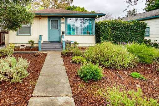 711 Roosevelt Ave, Redwood City, CA 94061 (#ML81777357) :: The Gilmartin Group