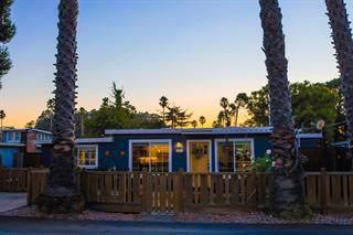 691 35th Ave, Santa Cruz, CA 95062 (#ML81777956) :: Strock Real Estate