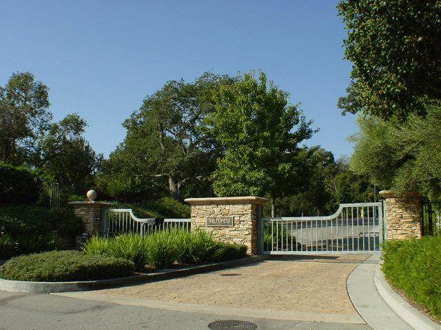 8350 Winter Green Ct, Gilroy, CA 95020 (#ML81784345) :: The Realty Society