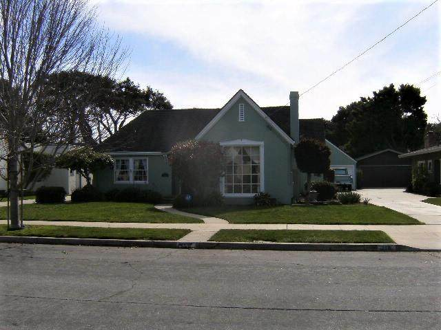 218 Pine St, Salinas, CA 93901 (#ML81784639) :: Real Estate Experts