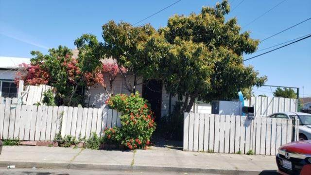 704 Hurlingame Ave, Redwood City, CA 94063 (#ML81791441) :: RE/MAX Real Estate Services