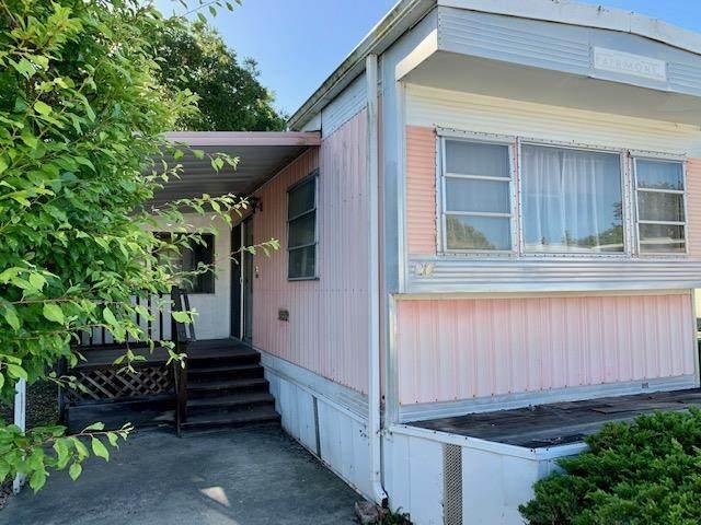 1190 7th Ave 20, Santa Cruz, CA 95062 (#ML81794713) :: Schneider Estates