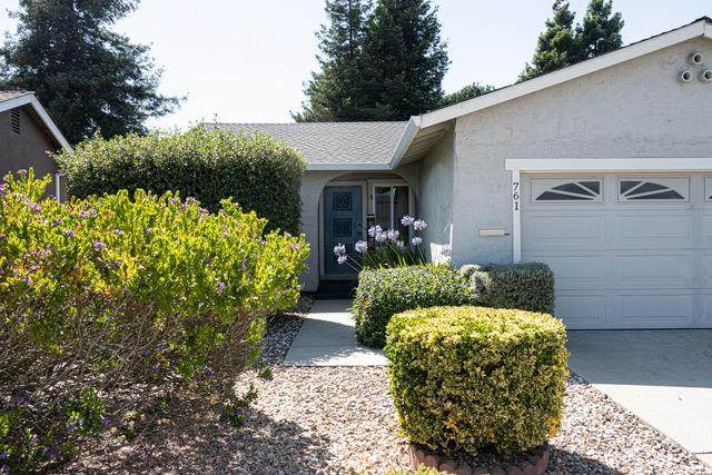 761 Almond Dr, Watsonville, CA 95076 (#ML81799669) :: The Realty Society
