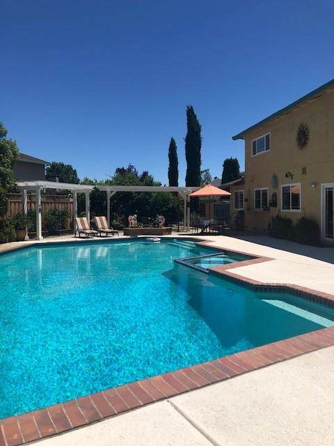 7170 Utica Pl, Gilroy, CA 95020 (#ML81800599) :: The Sean Cooper Real Estate Group