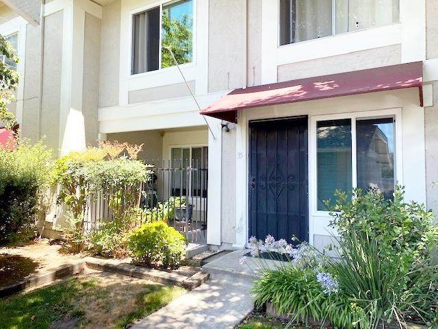 35 Muirfield Ct, San Jose, CA 95116 (#ML81800690) :: The Sean Cooper Real Estate Group