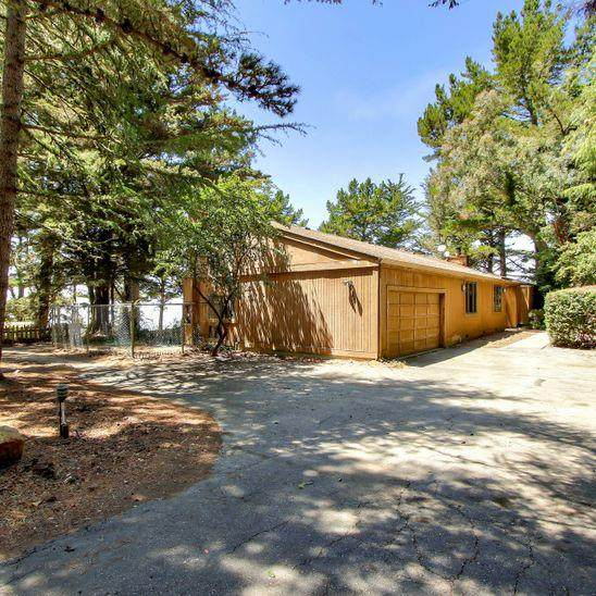 9 Quail Ct, Woodside, CA 94062 (#ML81804414) :: The Kulda Real Estate Group