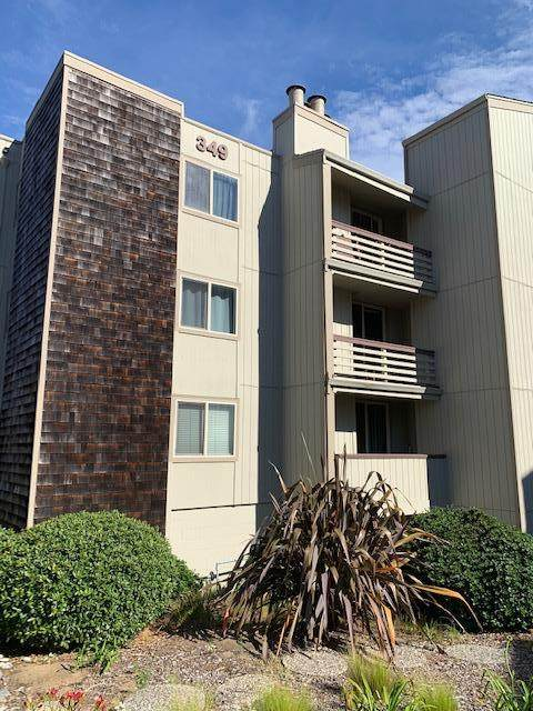 349 Philip Dr 305, Daly City, CA 94015 (#ML81810594) :: Strock Real Estate