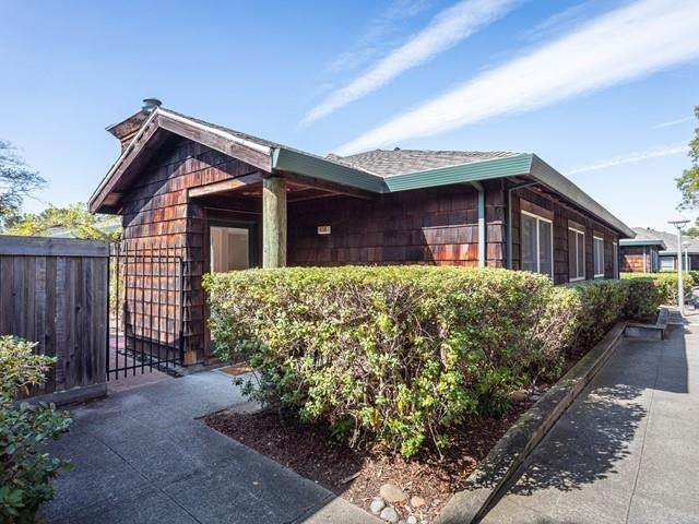 456 Centre Ct, Alameda, CA 94502 (#ML81811936) :: Strock Real Estate