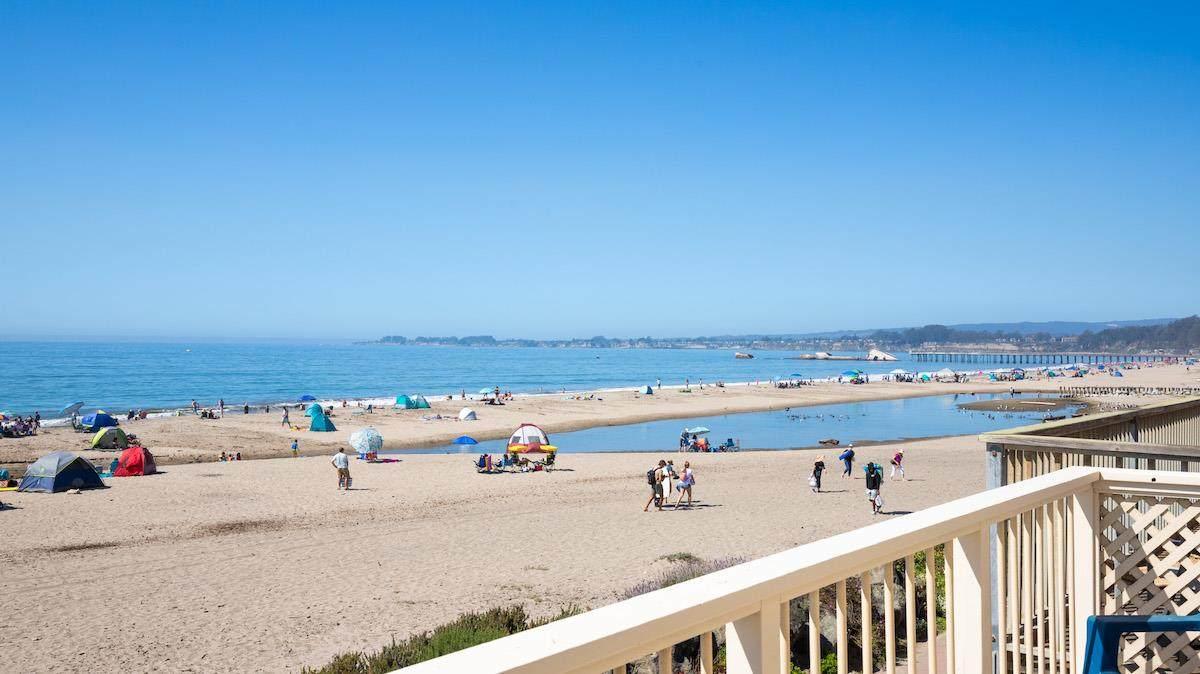 210 Beach Dr - Photo 1