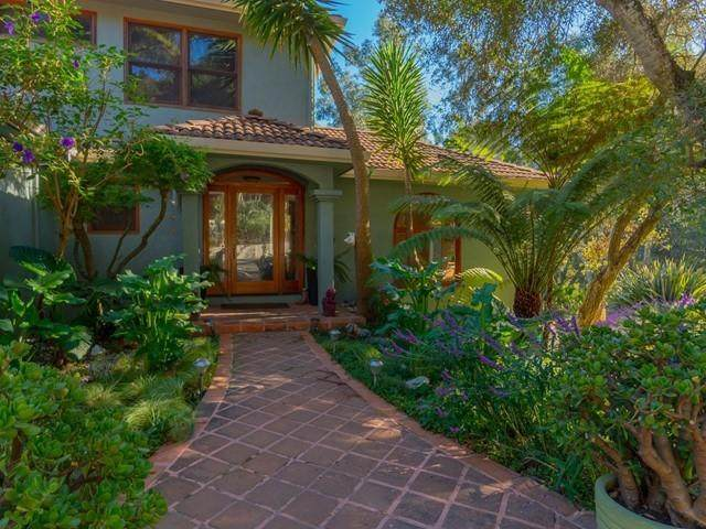 100 Emerald City Way, Watsonville, CA 95076 (#ML81819122) :: The Sean Cooper Real Estate Group