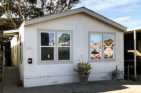304 Carmel Ave 29, Marina, CA 93933 (#ML81821839) :: Robert Balina | Synergize Realty