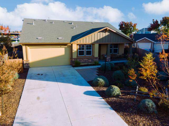 301 Koch Dr, Hollister, CA 95023 (#ML81822119) :: The Kulda Real Estate Group