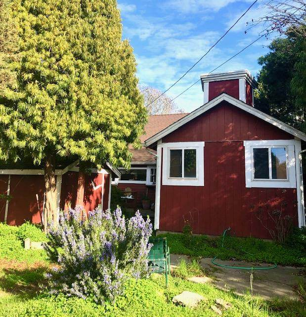 616 15th Ave, Santa Cruz, CA 95062 (#ML81831024) :: Schneider Estates