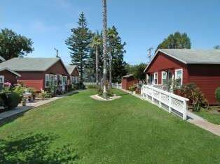 206 Hollister Ave, Capitola, CA 95010 (#ML81832309) :: Strock Real Estate