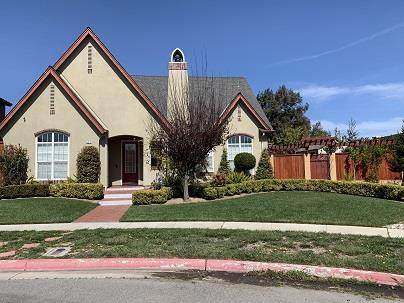 634 Vazquez Ave, Greenfield, CA 93927 (#ML81835916) :: Alex Brant
