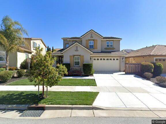 9732 Coyote Moon Ln, Gilroy, CA 95020 (#ML81836095) :: The Realty Society