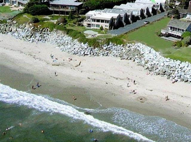 22680 E Cliff Dr 3, Santa Cruz, CA 95062 (#ML81841006) :: Schneider Estates