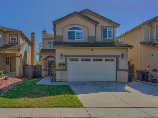 1006 Fitzgerald St, Salinas, CA 93906 (#ML81843216) :: Alex Brant