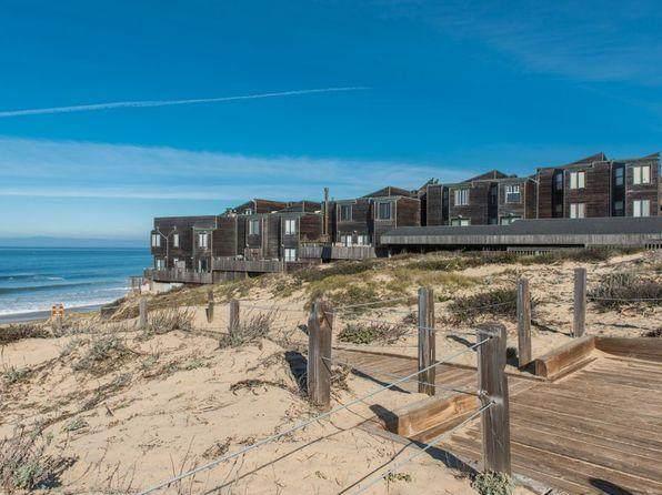 125 Surf Way 342, Monterey, CA 93940 (#ML81848286) :: Alex Brant