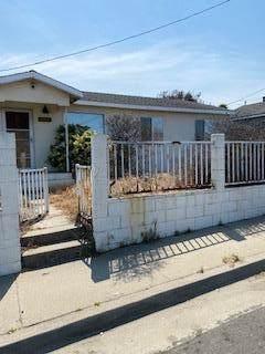 1460 Noche Buena St, Seaside, CA 93955 (#ML81849113) :: The Realty Society