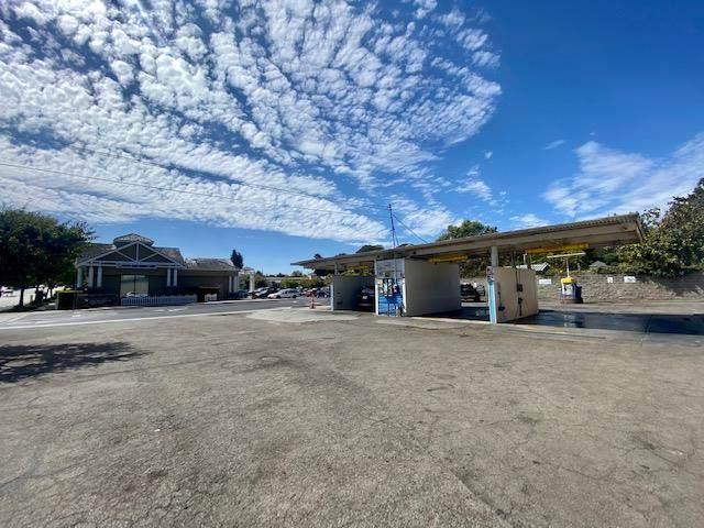 821 Bay Ave, Capitola, CA 95010 (#ML81860773) :: Schneider Estates