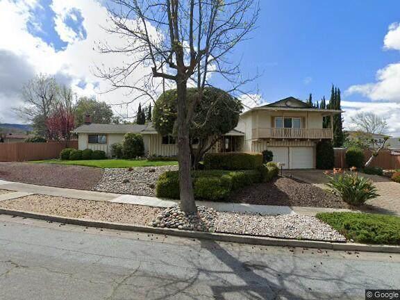 1184 Lone Pine Ln, San Jose, CA 95120 (#ML81862522) :: The Gilmartin Group