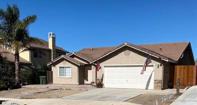 941 Las Flores St, Soledad, CA 93960 (#ML81866162) :: The Sean Cooper Real Estate Group
