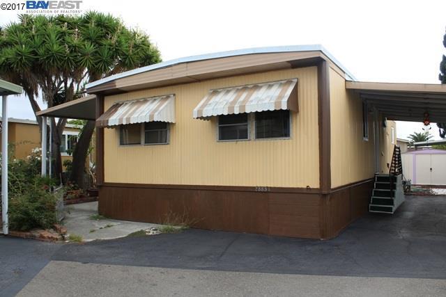28854 Pluto, Hayward, CA 94544 (#BE40798199) :: The Kulda Real Estate Group