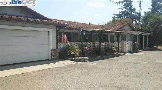 558 E Edison St, Manteca, CA 95336 (#BE40813818) :: The Goss Real Estate Group, Keller Williams Bay Area Estates