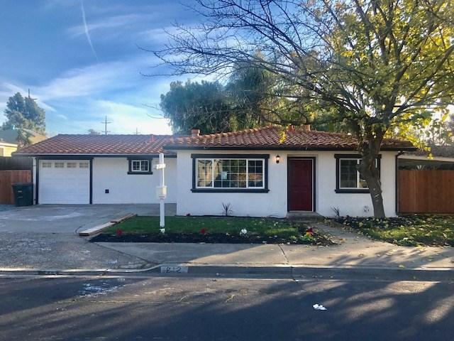 121 W Ruby St, Oakley, CA 94561 (#EB40806708) :: The Kulda Real Estate Group
