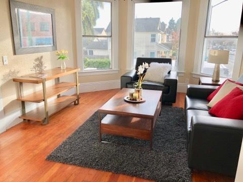 1240 10Th St, Oakland, CA 94607 (#EB40808362) :: The Kulda Real Estate Group
