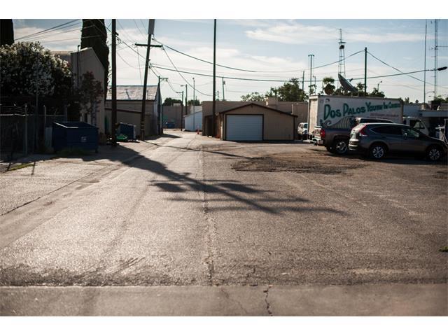 1637 California Ave, Dos Palos, CA 93620 (#ML81651616) :: The Kulda Real Estate Group